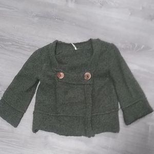 Free People two button sweater sz XS